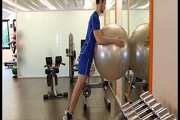 Standing calf the wall fit ball